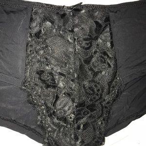 Intimates & Sleepwear - 🆕 women's black lace boyshort panty sz XL